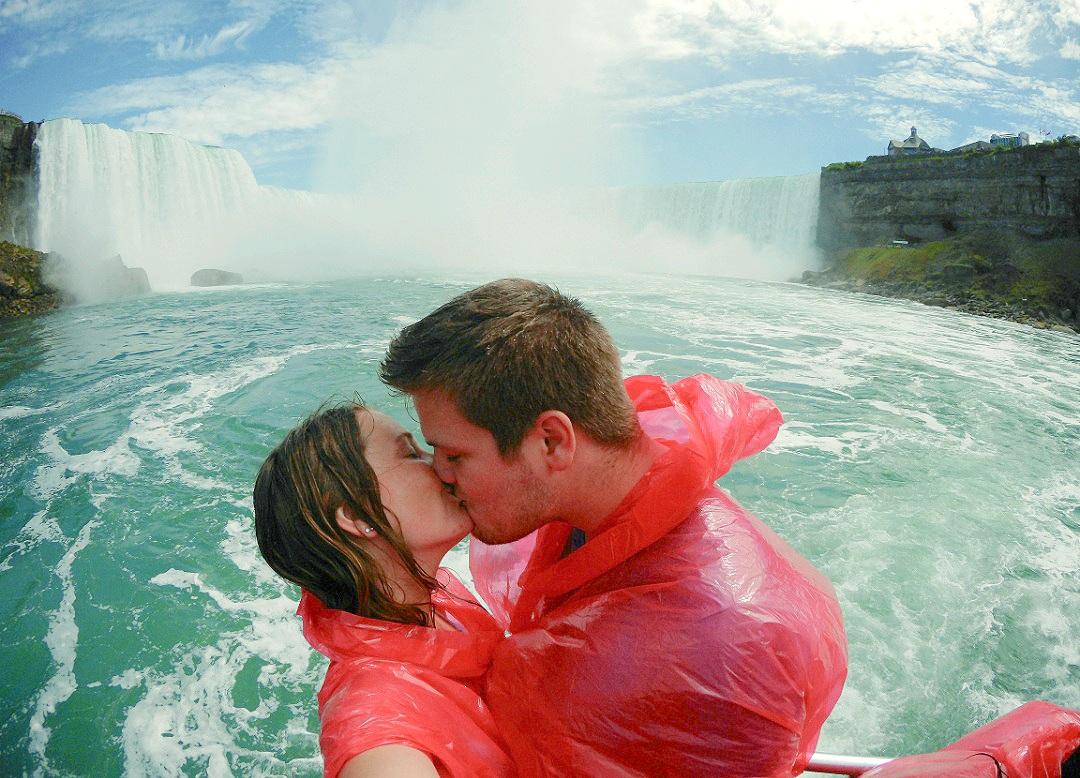 Naked in Nature Niagara Falls Olfi One.Five